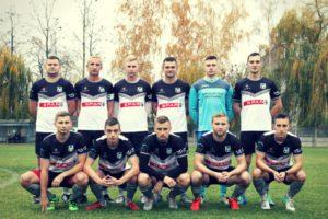 Stroje piłkarskie PEHA na zawodnikach MSS Klonówka Masłów podczas meczu V ligi świętokrzyskiej w piłkę nożną